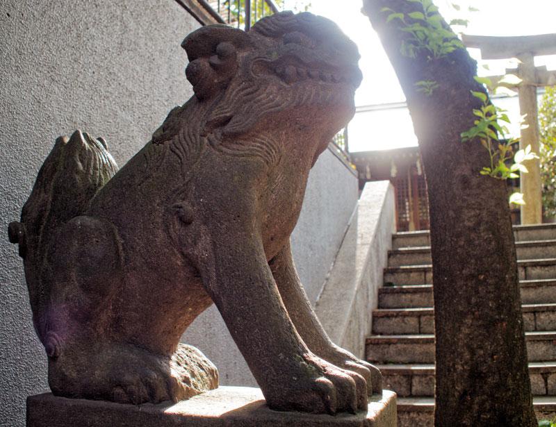 東京西麻布の櫻田神社の狛犬